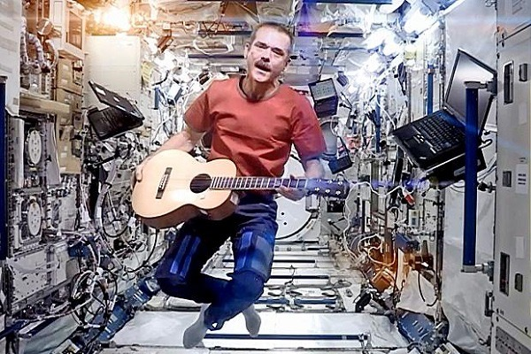 Bowie - Space Oddity (ISS)