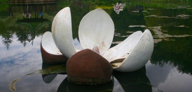 Magnolia - sculpture