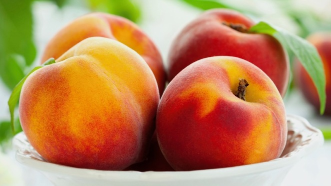 Peaches En Regalia - in a bowl